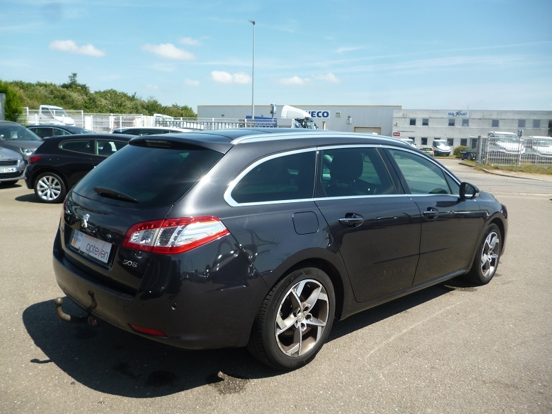 Photo 3 de l'offre de PEUGEOT 508 SW 2.0 BLUEHDI 180CH FAP ALLURE EAT6 à 12690€ chez Jestin autos