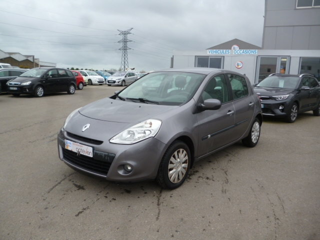 Renault CLIO III 1.5 DCI 85CH TOMTOM 5P Diesel GRIS F Occasion à vendre